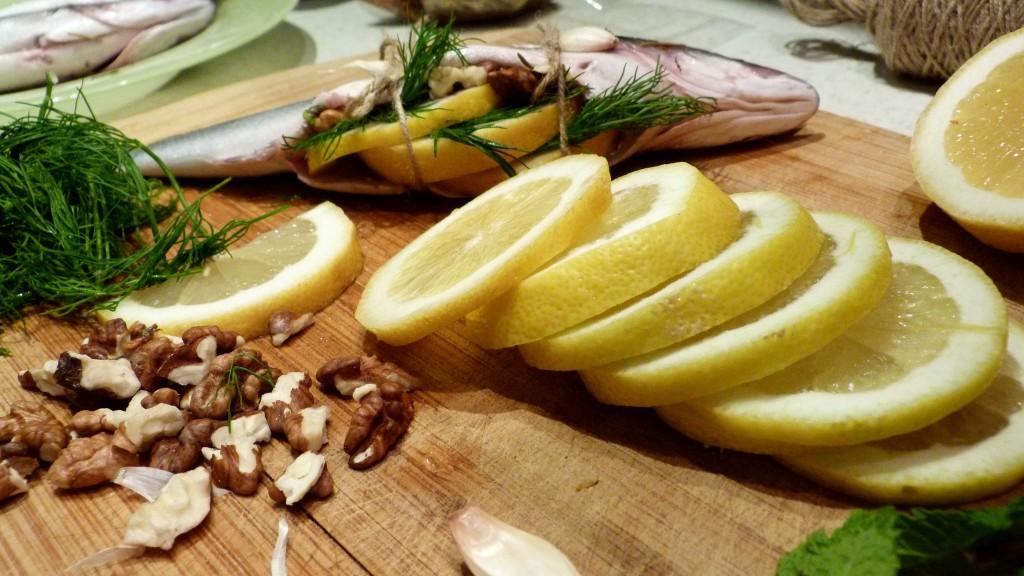 pylnen lavrak s limon, orehi pylnen lavrak s limon, orehi i chesyn na gril (3)