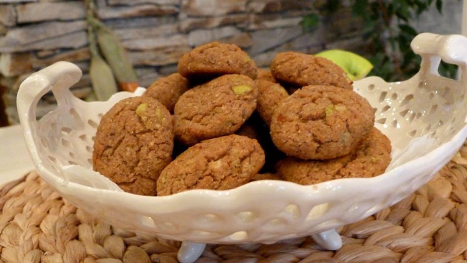Детски безглутенови бисквити без захар с брашно от елда, ленено семе и ябълки