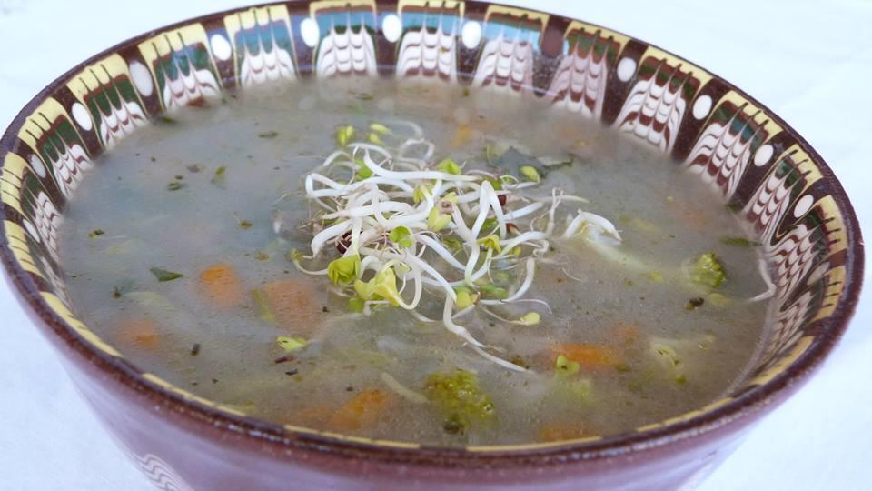 Патешка супа с броколи и просо