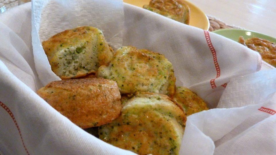kekscheta s brokoli i sirene